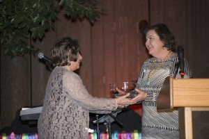 (l-r) Linda Hunt, CEO Dignity Health receiving the Corporate Kids at Heart Award from Becky Lieberman, Museum Board of Directors Chair